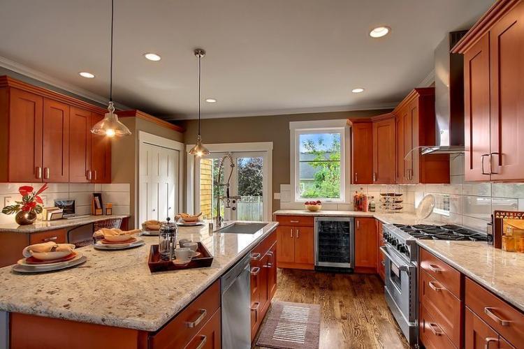 25+ Wonderful Cherry Wood Cabinets Kitchen Decorating ...