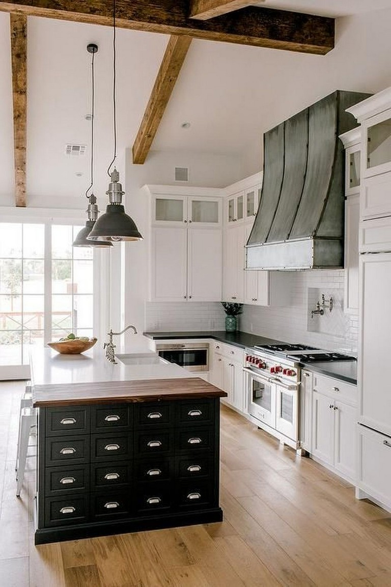 45+ Amazing White Wood Beams Ceiling Ideas For Cottage ...